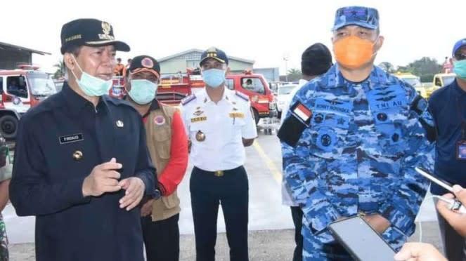 VIVA Militer: Danlanud Rosemin Nurjadin, Marsma TNI Ronny Moningka (kanan)