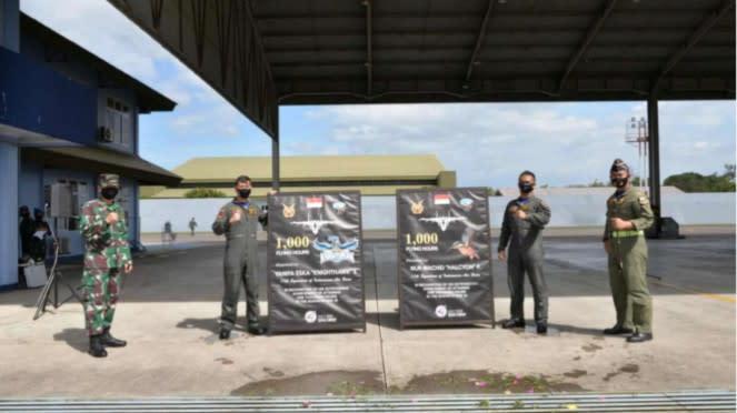 VIVA Militer: Penyematan Badge 1000 Jam Terbang Pesawat Tempur SU-27 di Makassar