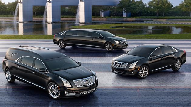 Cadillac XTS sedan shows off its long black limousine look