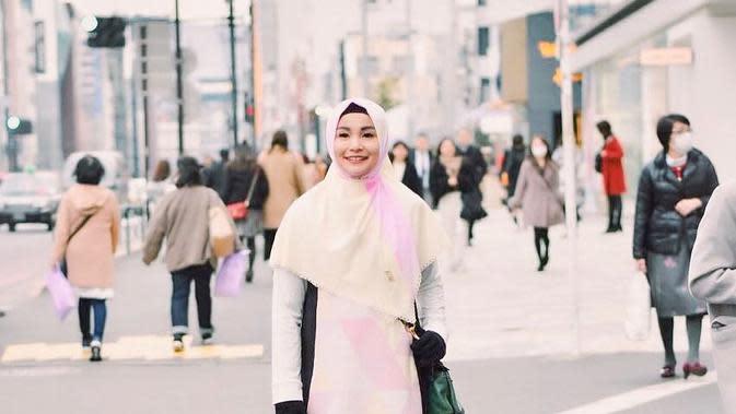 Soraya Larasati dan gaya berhijab (Instagram/sorayalarasat1)