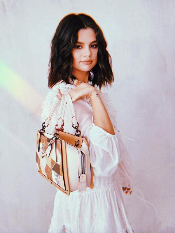 Selena Gomez kunjungi sekolahnya saat SMP (Instagram/selenagomez)