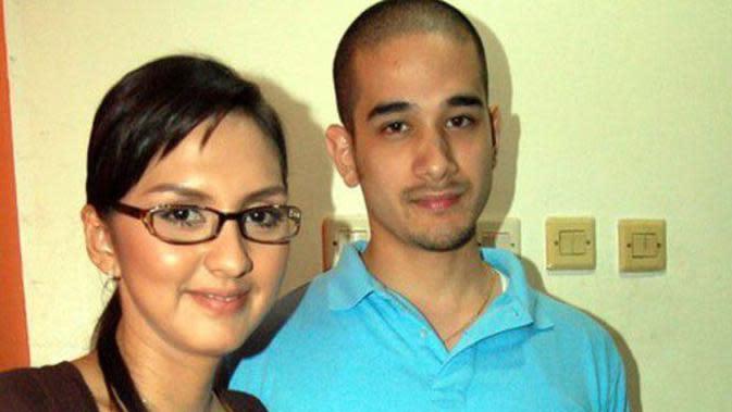 Donna Agnesia dan Okan Kornelius. (Sumber; kapanlagi.com)