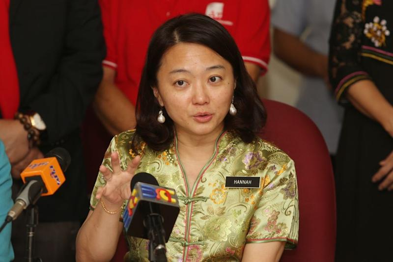 In a four-part statement, Yeoh explained the facts regarding the records kept by the Social Welfare Department (JKM) under the Child Registry, as well as UKM student Nur Fitri Azmeer Nordin's case. — Picture by Choo Choy May