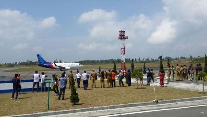 Sriwijaya Air Mulai Terbangi Silangit. (Foto: Zulfi Suhendra/Liputan6.com)