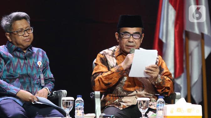 Menteri Agama Fachrul Razi (kanan) menyampaikan pendapatnya saat diskusi panel III Rakornas Indonesia Maju antara Pemerintah Pusat dan Forkopimda di Bogor, Rabu (13/11/2019). Panel III itu membahas pembangunan sumber daya manusia. (Liputan6.com/Herman Zakharia)