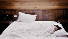 睡太少、熬夜容易發胖?醫揭「正確睡眠時間」:睡眠不足5天胖0.8公斤