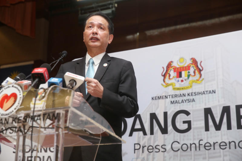 Of the new cases, Health director-general Tan Sri Dr Noor Hisham Abdullah said were imported and involved Malaysian returnees from New Zealand (two in Selangor), India (one in Sabah), Pakistan (one in Sabah) and China (one in Sabah). — Picture by Choo Choy May