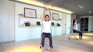 辦公室伸展椅子瑜珈 - 凱蒂瑜珈Flow With Katie