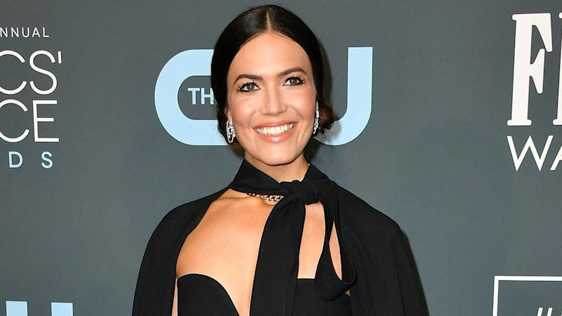 2020 Critics' Choice Awards: Red Carpet Arrivals -- Mandy Moore, Billy Porter and More