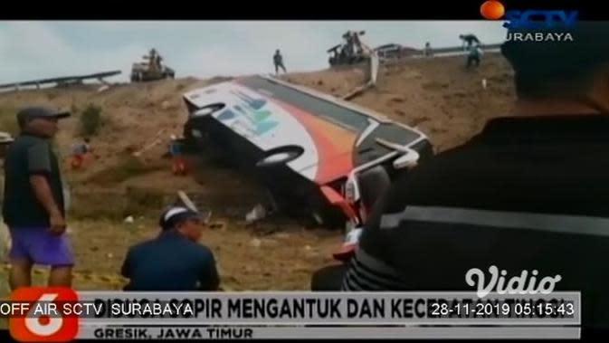 VIDEO: Kecelakaan Bus Kramat Djati di KM 718 Tol Sumo, 3 Orang Meninggal