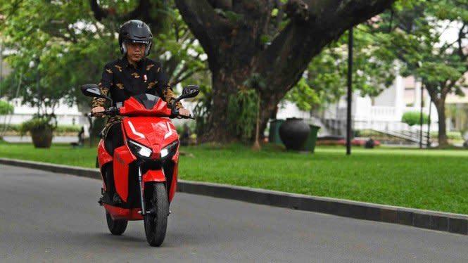 Motor Listrik Gesits Mau Dilelang, di Bodinya Ada Tanda Tangan Jokowi