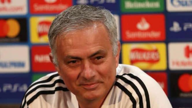 Jelang Derby London, Jose Mourinho Cela Habis-habisan Arsenal