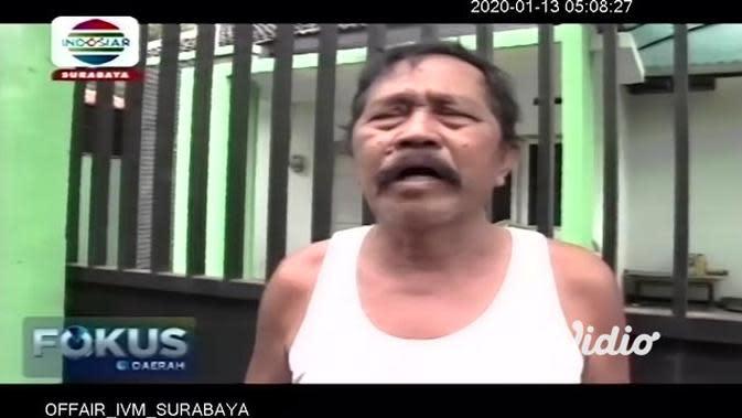 VIDEO: Seorang Ayah di Jember Tega Sekap Anaknya di Kandang Ayam karena Gawai