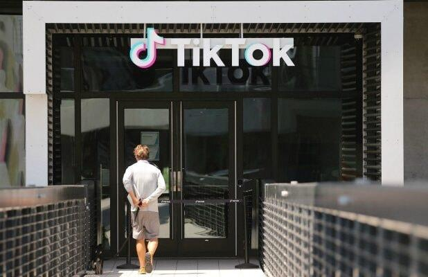 TikTok Creators in Crisis: Is the Culture of the 'Perfect App' About to Disappear?