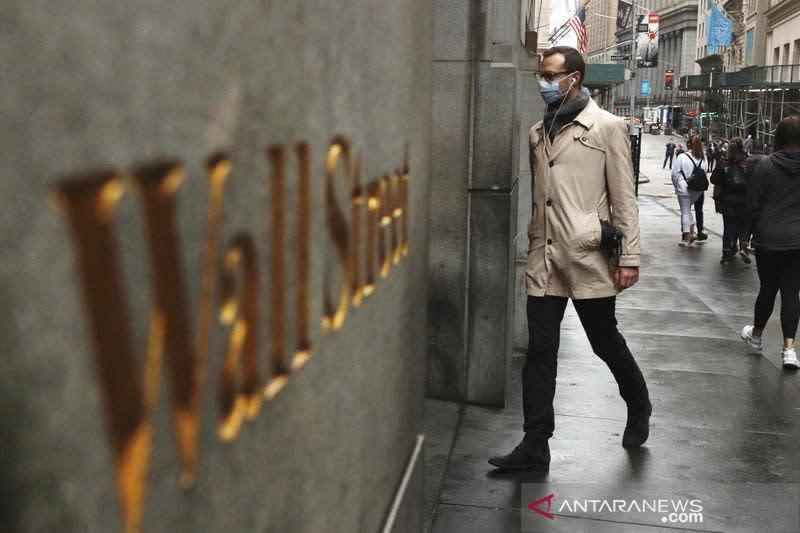 Wall Street melonjak, indeks Dow Jones melonjak 369,21 poin