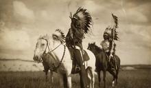 用歧視和弱勢譜寫原住民悲歌!美國原住民新冠疫情死亡率竟多白人1倍