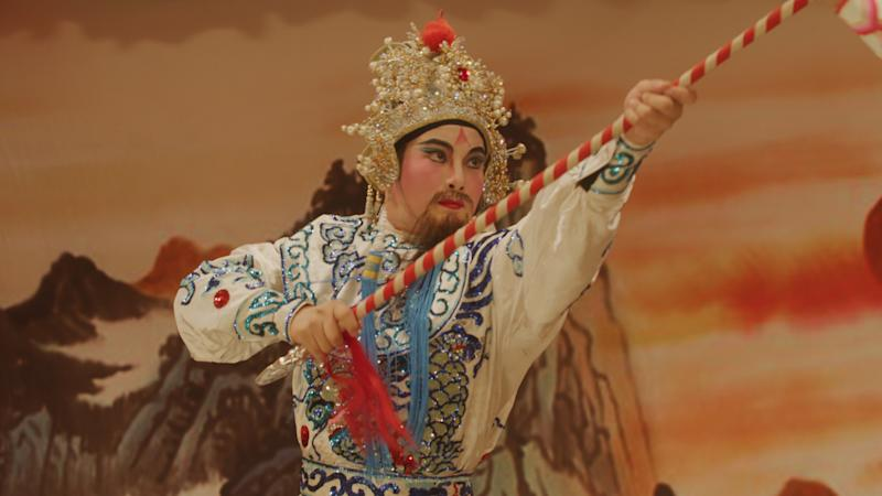 Singaporean actor Nick Shen plays opera troupe leader Gwee Boon in TV series Titoudao by Oak3 Films and Mediacorp. (PHOTO: Mediacorp)