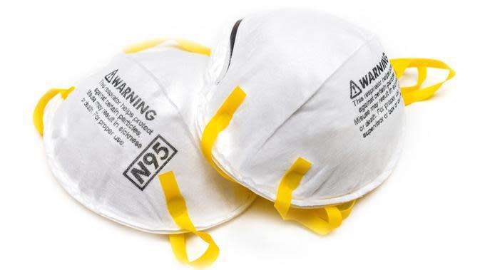 Masker N95 yang efektif menghalangi 95 persen partikel yang masuk (terutama PM10).