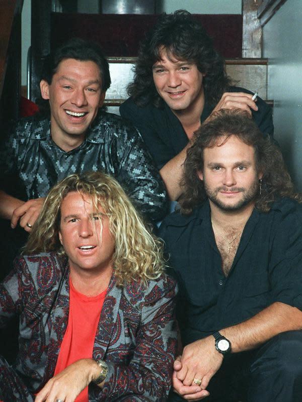 Van Halen pada 1988. Searah jarum jam: Alex Van Halen, Eddie Van Halen, Michael Anthony dan Sammy Hagar (AP Photo/File)