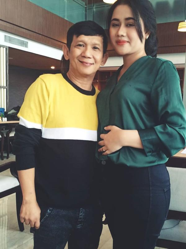 Ginanjar dan istri (Sumber: Instagram//tiaraamalia97/)