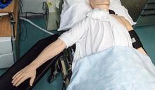 同事昏倒沒呼吸!她熱心CPR15分鐘救回 對方喊告傻眼了
