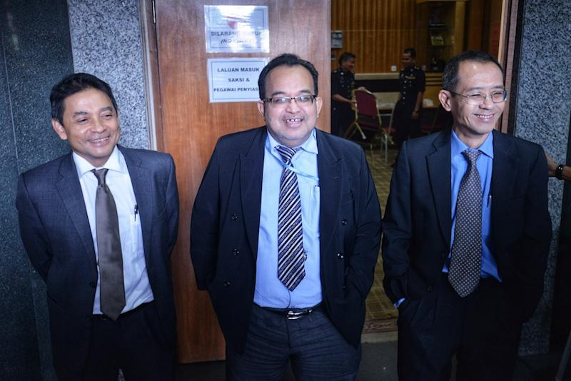 (From left) Dr Mohamad Azaini Ibrahim, Datuk Dr Zahari Noor and Dr Mohd Suhani Mohd Noor attend the Wang Kelian Royal Commission of Inquiry (RCI) hearing in Putrajaya June 12, 2019. — Picture by Shafwan Zaidon