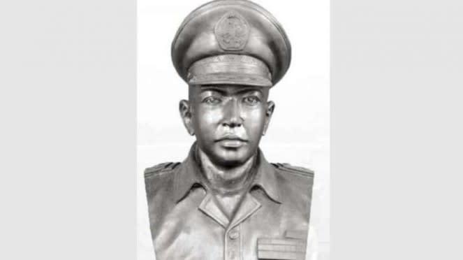 VIVA Militer: Patung dada Kolonel TNI (anumerta) Sugiono.