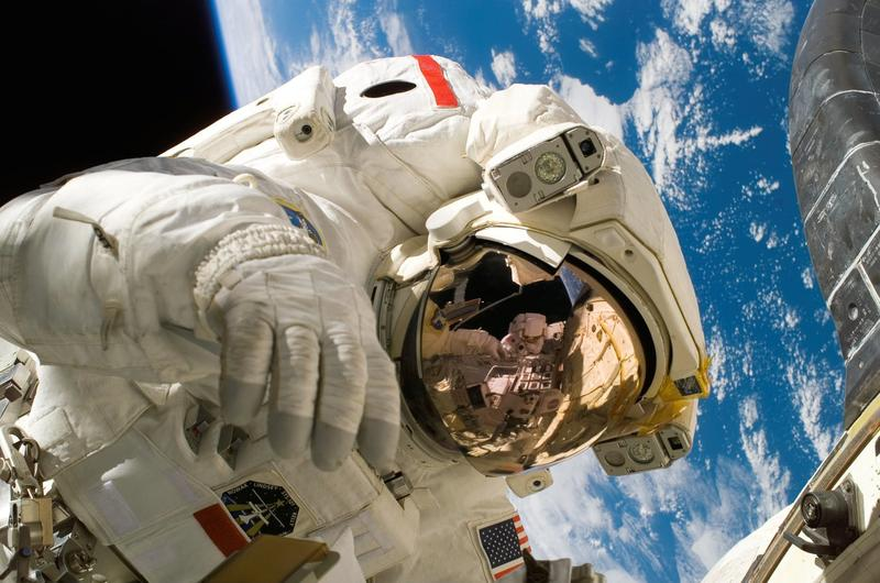 據悉,此次登陸月球的成員中,將包括一名女性太空人。(示意圖/取自pixabay)