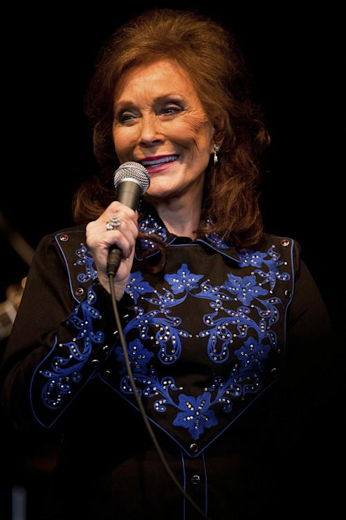 Loretta Lynn Recalls the Civil War on 'Take Your Guns' - Song Premiere