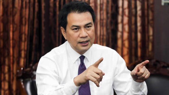 Bisikan Azis ke Ketua DPR yang Buat Mikrofon Anggota Mati
