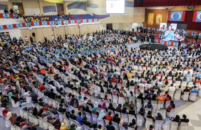 Perak PKR members and supporters attend the state party's convention in Kuala Kangsar December 3, 2019. — Picture by Farhan Najib