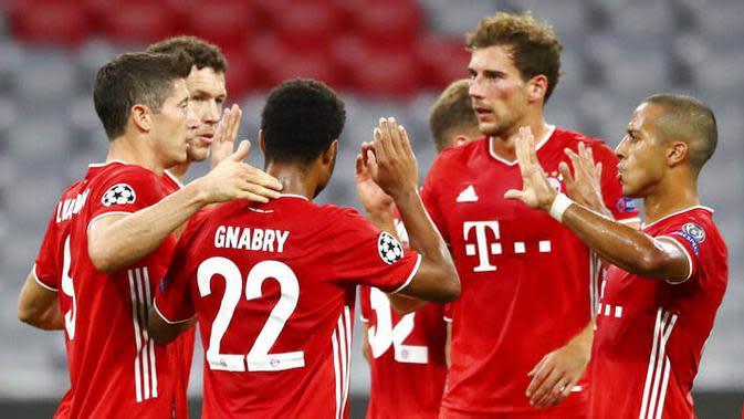 7. Bayern Munchen - Die Roten tampil beringas usai membantai Chelsea di babak 16 besar dengan agregat 7-1. Ketajaman Robert Lewandowski akan menjadi senjata bagi Bayern untuk menjegal Barcelona di perempat final Liga Champions. (AP/Matthias Schrader)