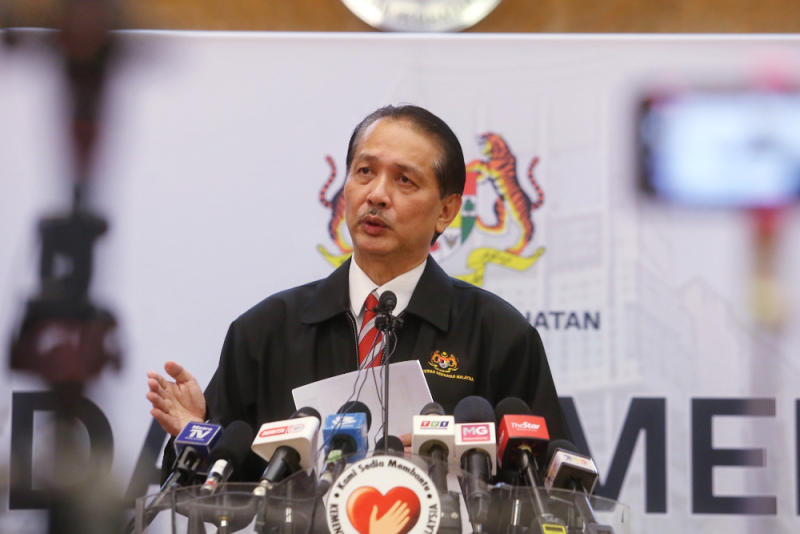 Health director-general Datuk Dr Noor Hisham Abdullah confirmed today that the Health Ministry's post-mortems show that the coronavirus still stays on the surface of the skin of deceased victims. — Picture by Choo Choy May