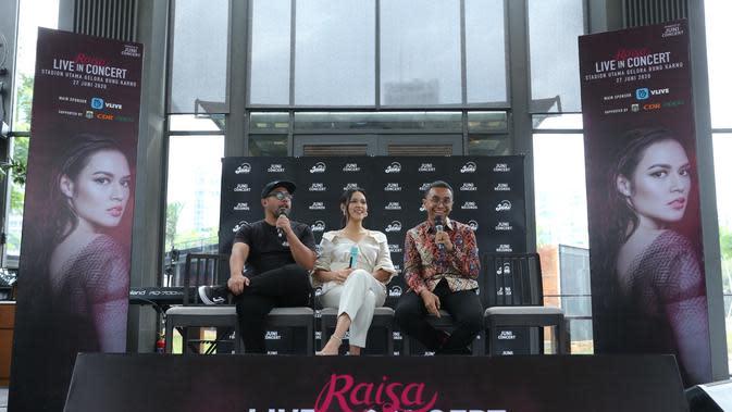 Menurut Adryanto Pratono selaku CEO Juni Records, single terbaru Raisa ini menjadi salah satu rangkaian pembuka dari campaign 'Raisa Live Concert Stadion Utama Gelora Bung Karno' pada 27 Juni 2020 nanti. (Daniel Kampua/Fimela.com)