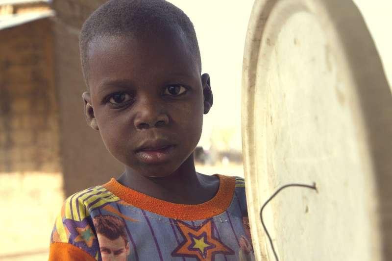 兒基會駐奈代表霍金斯(Peter Hawkins)表示:「應盡快頒布《卡諾州兒童保護法案》,保障當地兒少權利。」(by Raphealny@pixabay)