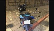 騎士搶黃燈與電動滑板車相撞 噴飛1死1傷