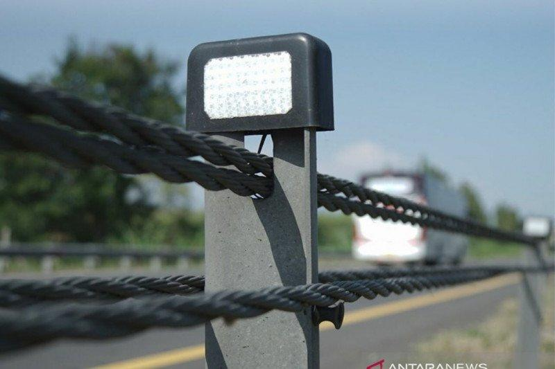 Tol Cipali dipasang sling baja pembatas jalan, tekan kecelakaan