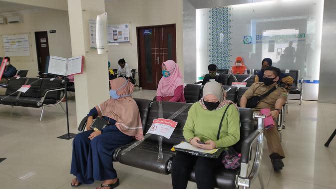 Para peserta JKN-BPJS Kesehatan Cabang Palembang (Liputan6.com / Nefri Inge)