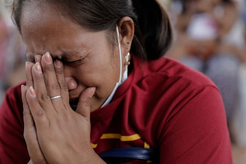 Evacuees pray for safety at Sunday mass amid Philippine volcano threat