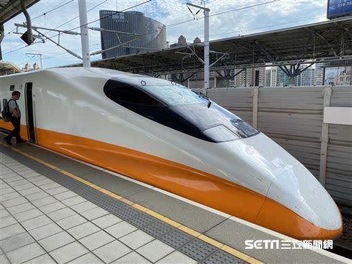 高鐵宣布8月起恢復每週1016班次的旅運服務。(圖/記者陳弋攝影)