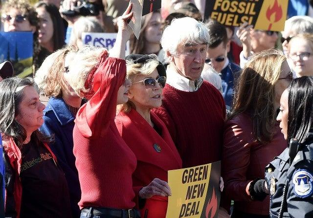 jane fonda sam waterston climate change protest