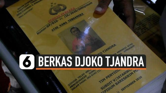 VIDEO: Polisi Serahkan Berkas Perkara Surat Jalan Djoko Tjandra