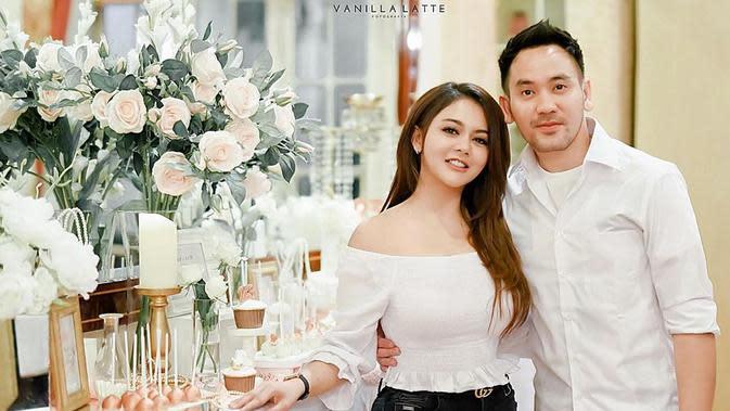 Jenita Janet dengan kekasih baru (Sumber: Instagram/jenitajanet)