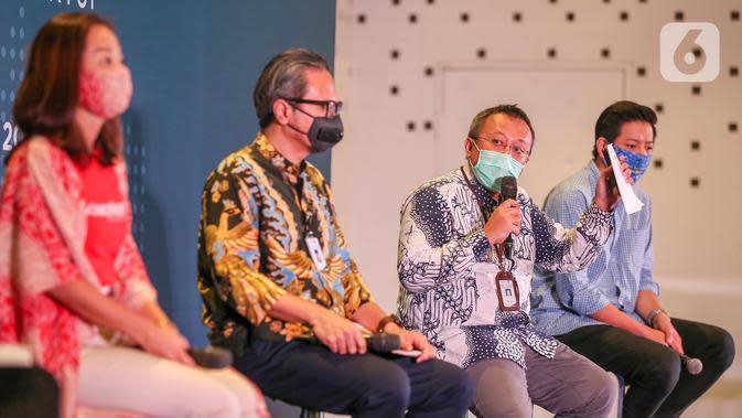 Direktur Aplikasi dan Tata Kelola Ekonomi Digital Kemenparekraf Muhammad Neil El Himam pada press kick off program BEKUP 2020, di Jakarta, Selasa (7/7/2020). Program tahunan BEKUP mengajak para startup pemula melawan pandemi COVID-19 lewat ide dan inovasi bisnis. (Liputan6.com/Fery Pradolo)
