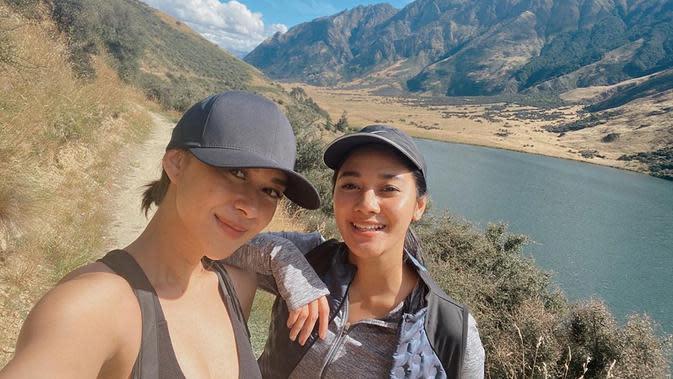Momen Nana dan Naysila Mirdad ketika menghabiskan waktu berlibur di Selandia Baru. (Sumber: Instagram @naymirdad)