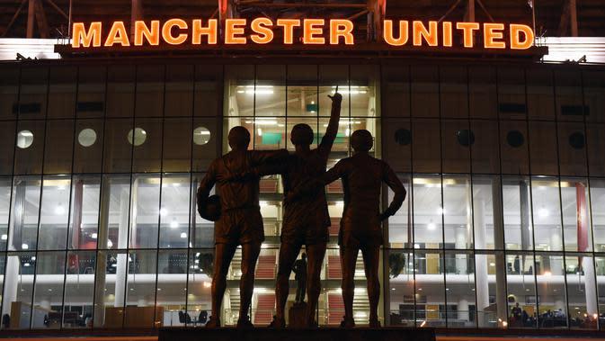Suasana di luar kandang Manchester United (MU), Old Trafford. (AFP/Oli Scarff)