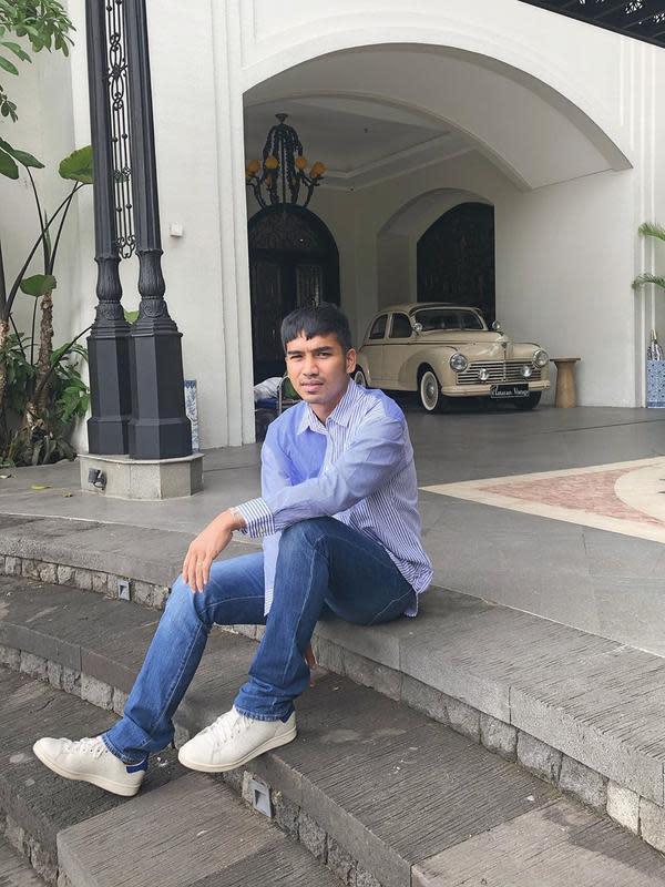 Ifan Rivaldi, mantan atlet renang yang kini jadi makeup artis. (Sumber foto: FIMELA.com)