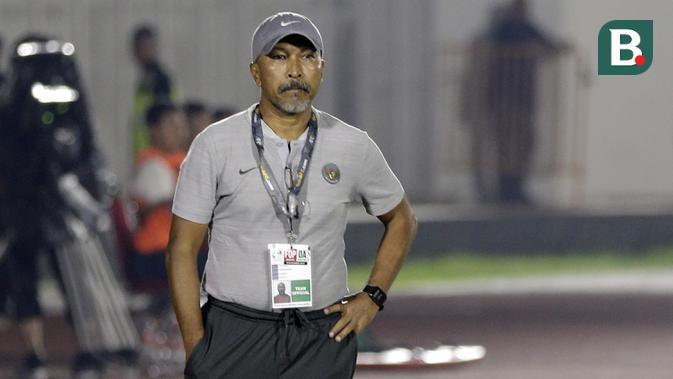 Pelatih Timnas Indonesia U-19, Fakhri Husaini (Bola.com/Yoppy Renato)
