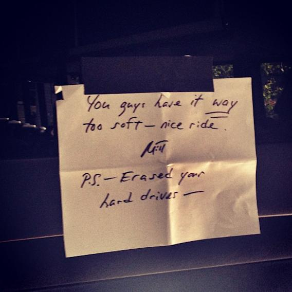 Romney leaves note for reporters