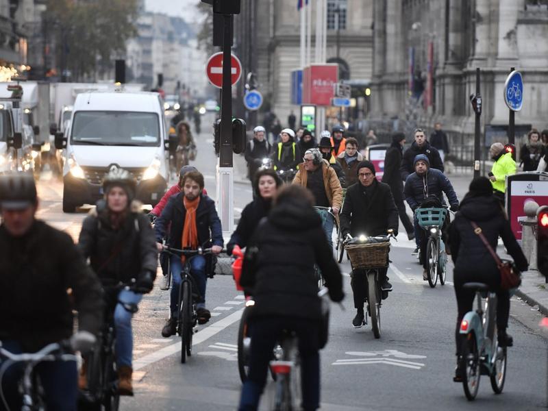 法國民眾怎麼看?改革、罷工意見分歧